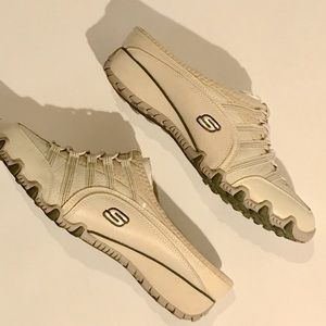 Skechers slip on sneakers size 8.5 NWOT